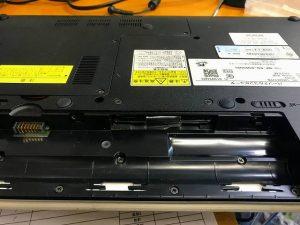 パソコンからHDDを取り外しSSDに交換・換装
