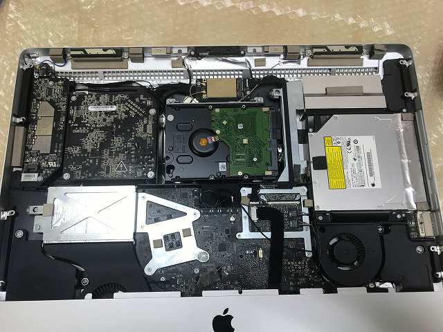 iMac A1311 HDD交換パネルを外す