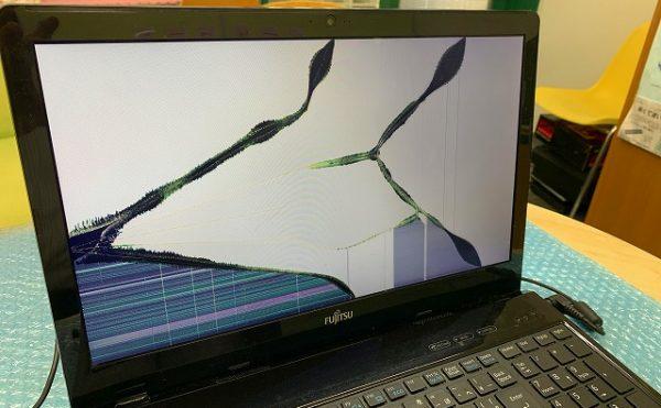 ノートパソコンの画面が割れてしまった